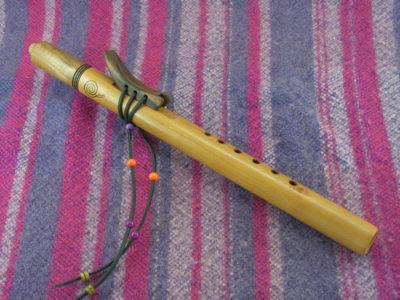 Flûte amérindienne en poirier